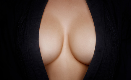 Cleavage Breastbone