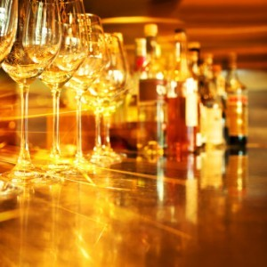"""alcohol """"ancho ="""" 300 """"alto ="""" 300 """"srcset ="""" http://www.healthhype.com/wp-content/ uploads / alcohol-300x300.jpg 300w, http://www.healthhype.com/wp-content/uploads/alcohol-150x150.jpg 150w, http://www.healthhype.com/wp-content/uploads/alcohol. jpg 347w """"sizes ="""" (max-width: 300px) 100vw, 300px """"/></p><h3><span id="""